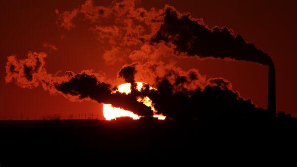Central eléctrica alimentada por carbón - Sputnik Mundo