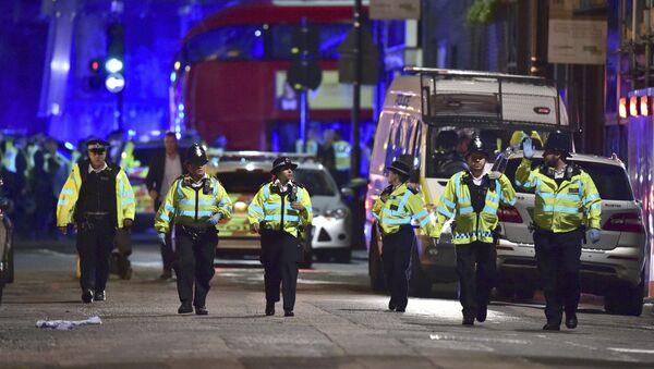 La policía de Londres en el lugar del ataque - Sputnik Mundo