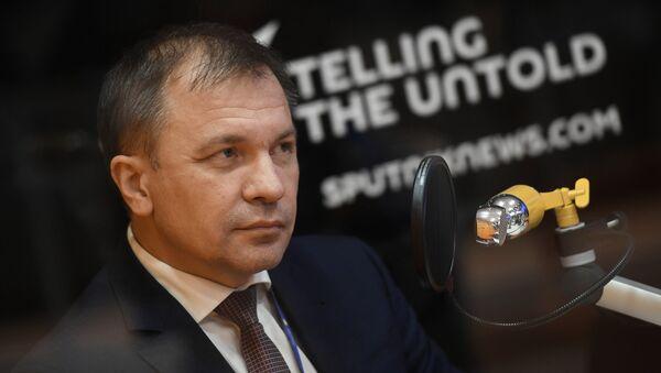 Andréi Mélnikov, ministro de Desarrollo Económico de Crimea, durante su entrevista con Sputnik - Sputnik Mundo