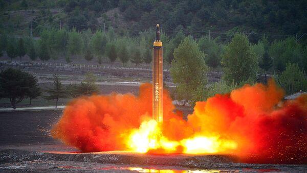 Lanzamiento de misiles balísticos, Corea del Norte - Sputnik Mundo