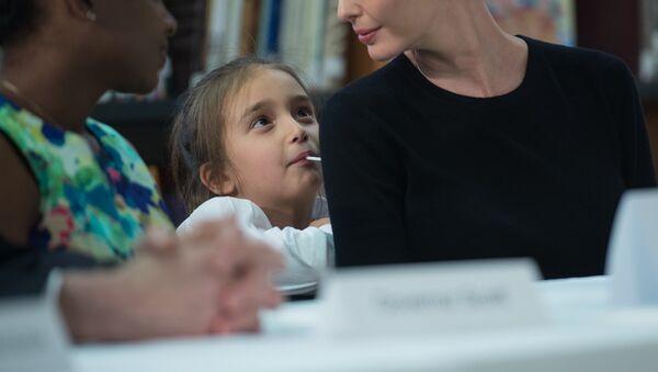 Ivanka Trump con su hija, Arabella (archivo) - Sputnik Mundo