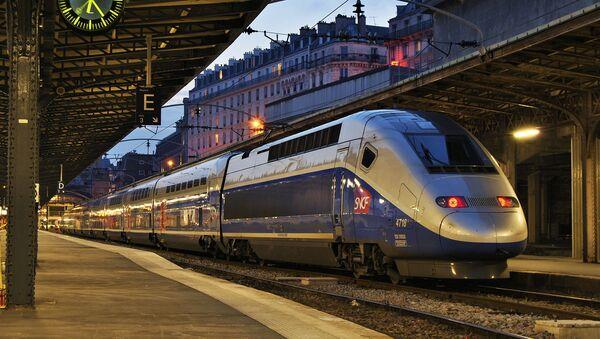 Un tren de SNCF - Sputnik Mundo
