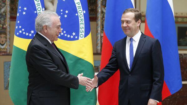 Michel Temer, presidente de Brasil, y Dmitri Medvédev, primer ministro de Rusia - Sputnik Mundo