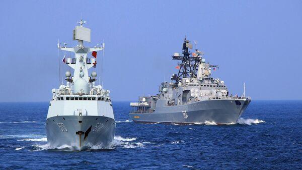Maniobras navales de China y Rusia (archivo) - Sputnik Mundo