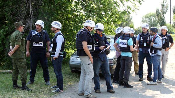 Los observadores de OSCE en Donbás - Sputnik Mundo