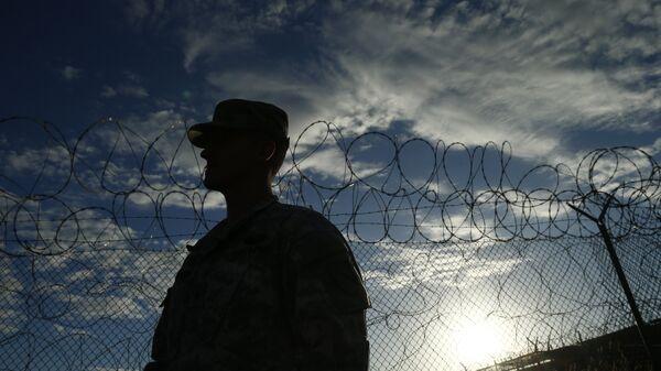 Soldado estadounidense en Guantánamo - Sputnik Mundo