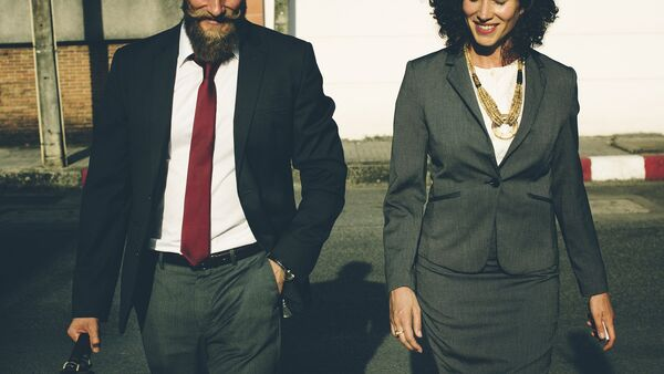 Gente de negocios (imagen referencial) - Sputnik Mundo