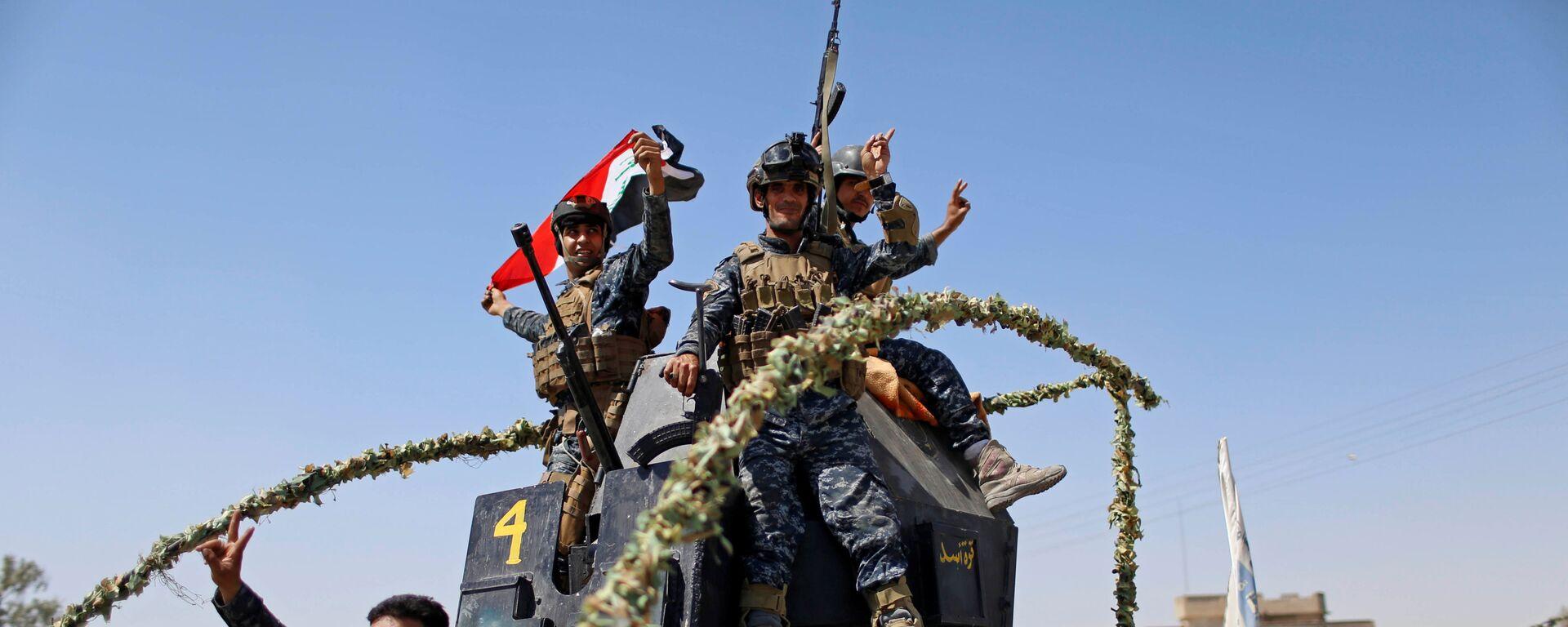 Los militares iraquíes celebran la liberación de la Ciudad Vieja de Mosul  - Sputnik Mundo, 1920, 11.10.2021