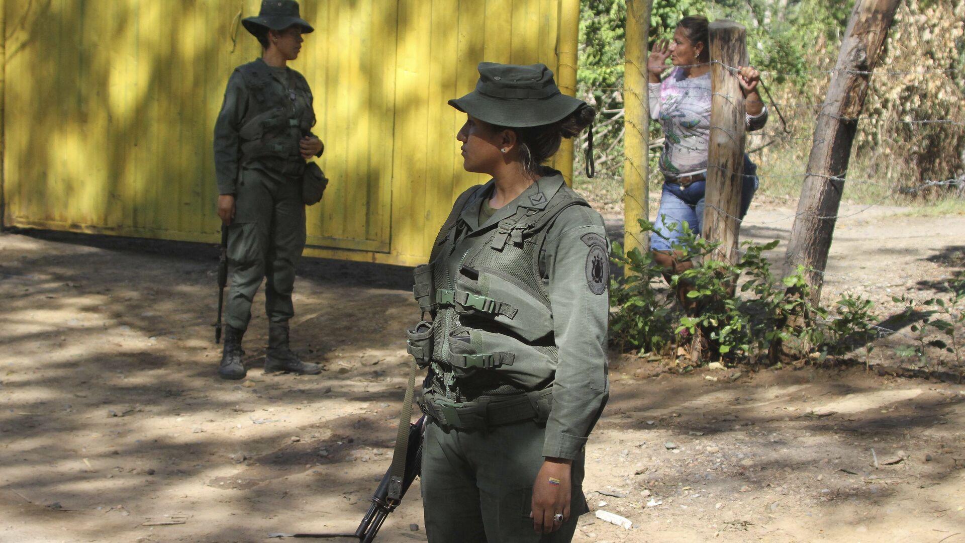 Policía venezolana en la frontera con Colombia (archivo) - Sputnik Mundo, 1920, 05.10.2021