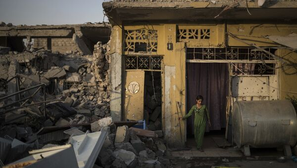 Una niña en Mosul - Sputnik Mundo