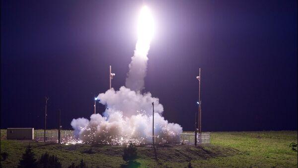 La prueba del sistema antimisiles estadounidense THAAD en Alaska - Sputnik Mundo
