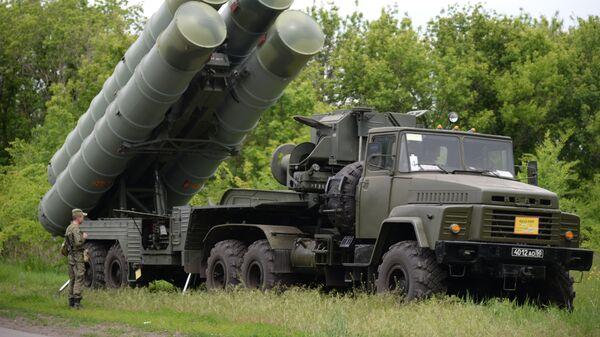 Sistema de misiles antiaéreo S-300 - Sputnik Mundo
