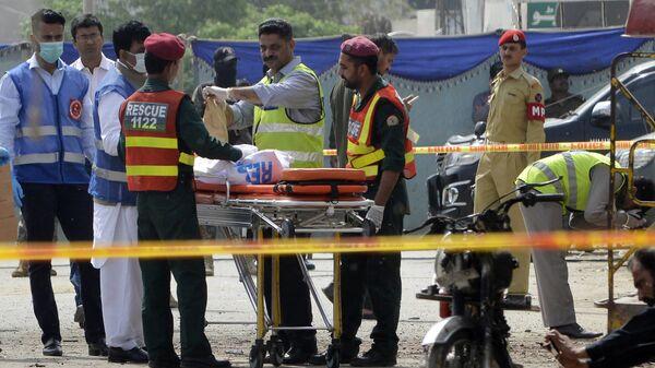 El lugar de la explosión en Lahore, Pakistán - Sputnik Mundo