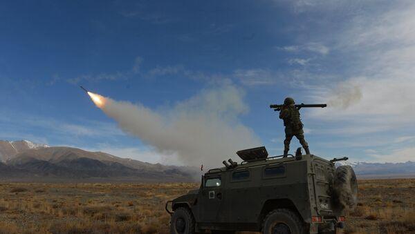 Disparos con MANPADS rusos durante los ejercicios de la OTSC en Kirguistán (imagen referencial) - Sputnik Mundo