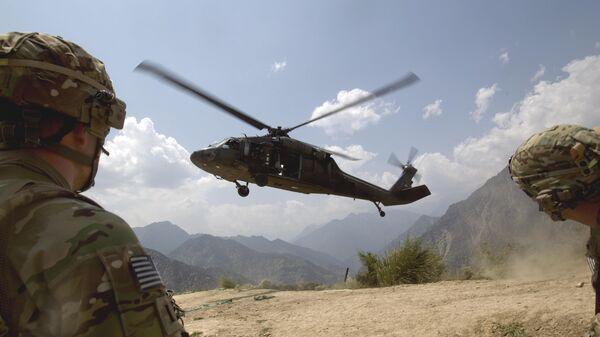 Un helicóptero militar de EEUU en Afganistán (imagen referencial) - Sputnik Mundo