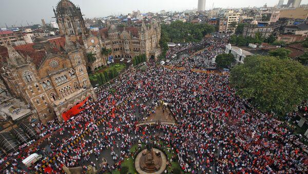 La protesta de los marathas en Mumbai - Sputnik Mundo
