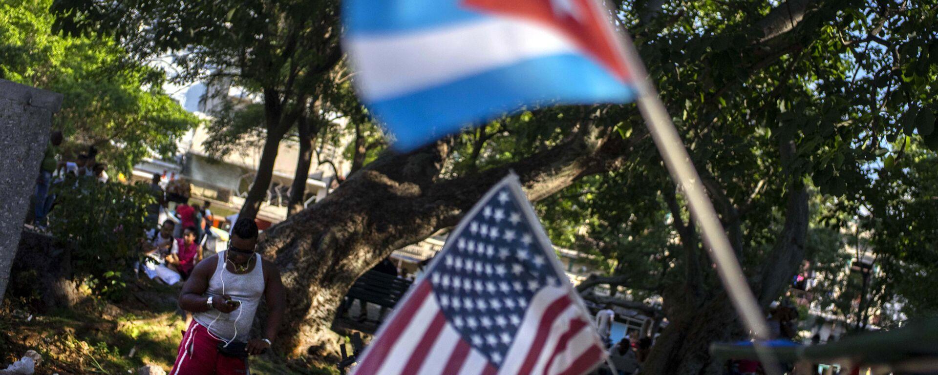 Las banderas de Cuba y EEUU (archivo) - Sputnik Mundo, 1920, 20.01.2021
