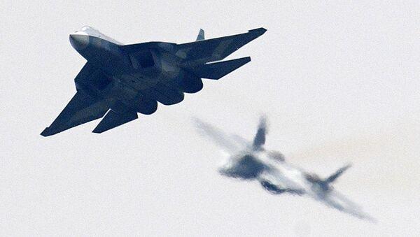 Un caza de quinta generación ruso Su-57 en el salón aéreo MAKS-2017 - Sputnik Mundo
