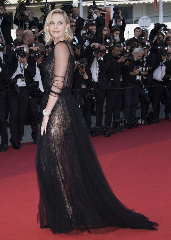 Charlize Theron, actriz y modelo sudafricana nacionalizada estadounidense - Sputnik Mundo