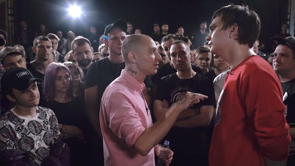 Una pelea de rap entre los músicos rusos Oxxxymiron y Gnoini - Sputnik Mundo