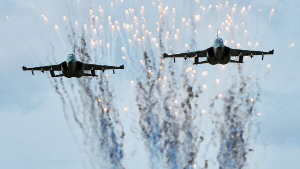 Los aviones Yak-130 de la Fuerza Aérea de Bielorrusia durante la preparación para las maniobras ruso-bielorrusas Zapad-2017 - Sputnik Mundo