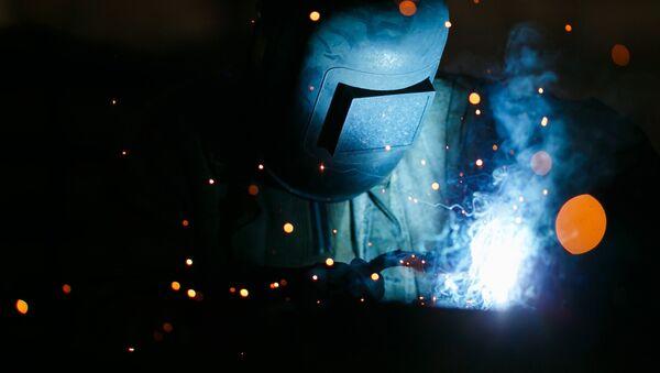 Un soldador ruso (imagen referencial) - Sputnik Mundo