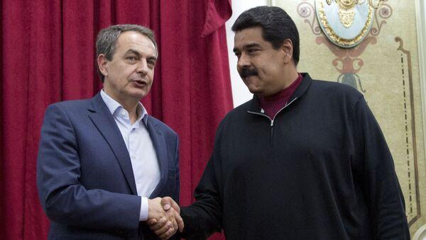 El expresidente español, José Luis Rodríguez Zapatero, y el presidente de venezuela, Nicolás Maduro (archivo) - Sputnik Mundo