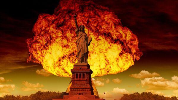 Hongo nuclear y estatua de la Libertad - Sputnik Mundo
