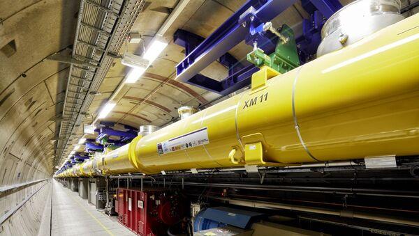 Dentro de uno de los túneles del Láser Europeo de Electrones Libres y Rayos X (XFEL) - Sputnik Mundo