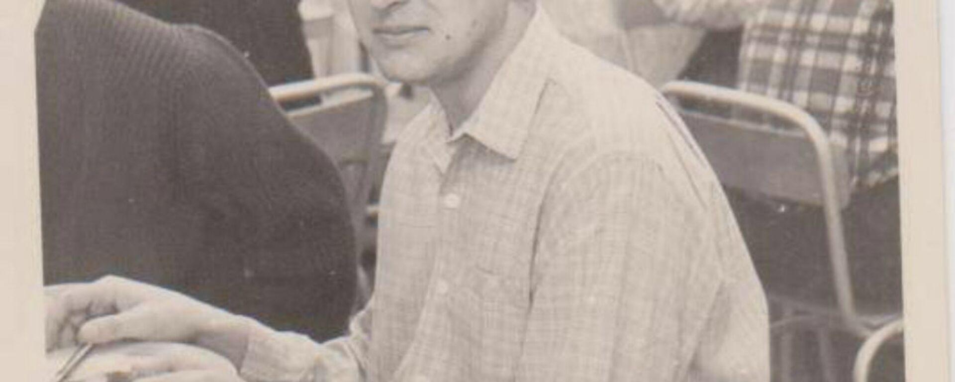 Vladimir Roslik durante sus años de estudiante en Moscú - Sputnik Mundo, 1920, 17.08.2020