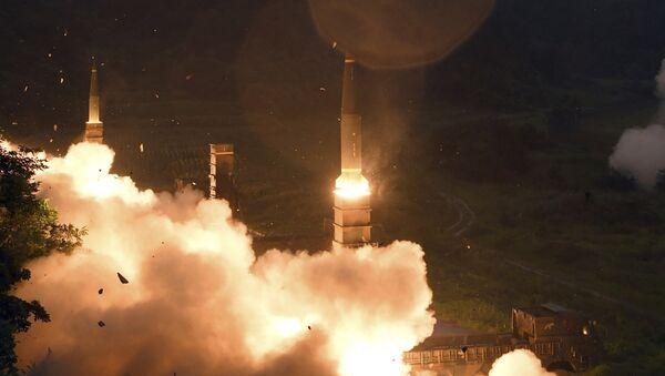 Misiles surcoreanos Hyunmoo (Archivo) - Sputnik Mundo