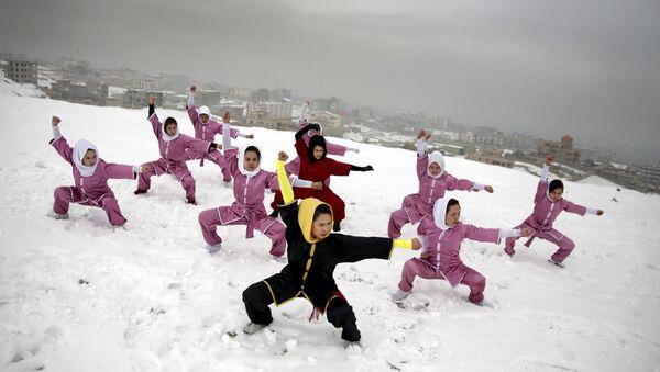 Mujeres afganas, practicando kung-fu - Sputnik Mundo