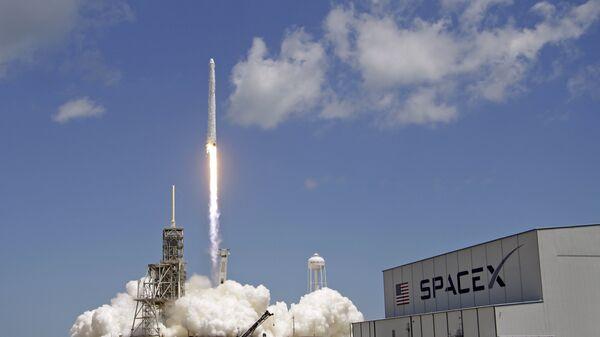 Cohete Falcon 9 (Archivo) - Sputnik Mundo