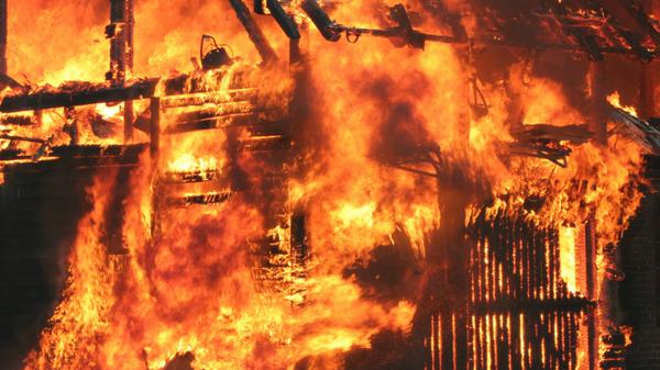 Un incendio (imagen referencial) - Sputnik Mundo