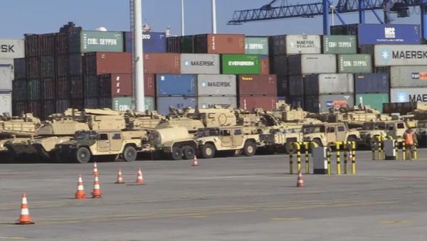 Las armas de EEUU llegan al puerto polaco de Gdansk - Sputnik Mundo