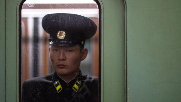 Un norcoreano (archivo) - Sputnik Mundo