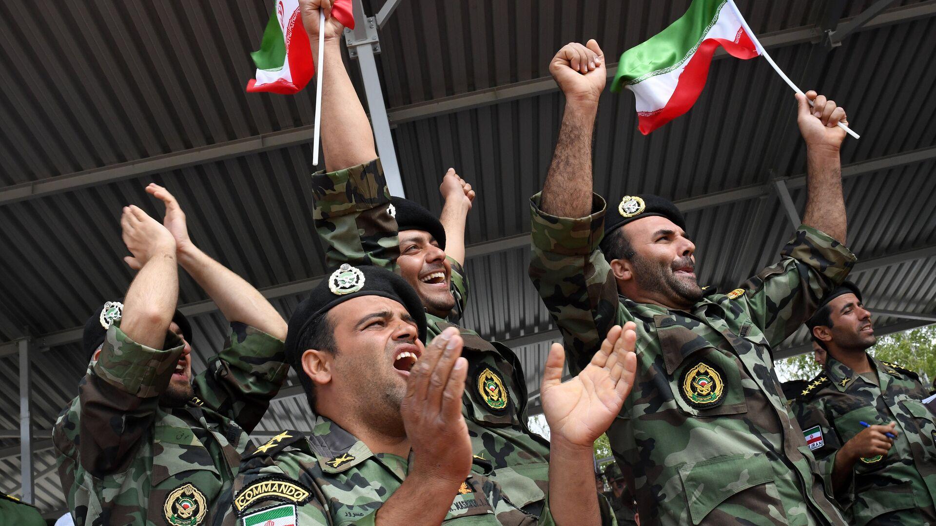 Los militares de las Fuerzas Armadas iraníes - Sputnik Mundo, 1920, 31.08.2021