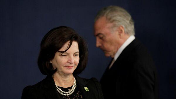 La fiscal general de Brasil, Raquel Dodge, y el presidente de Brasil, Michel Temer - Sputnik Mundo