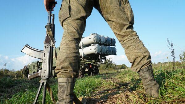 Las maniobras militares conjuntas ruso-bielorrusas Zapad 2017 - Sputnik Mundo