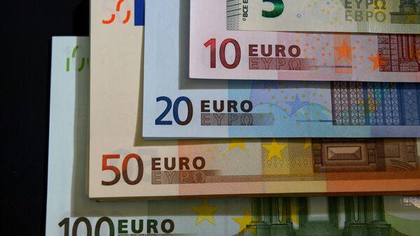 Euros (imagen referencial) - Sputnik Mundo
