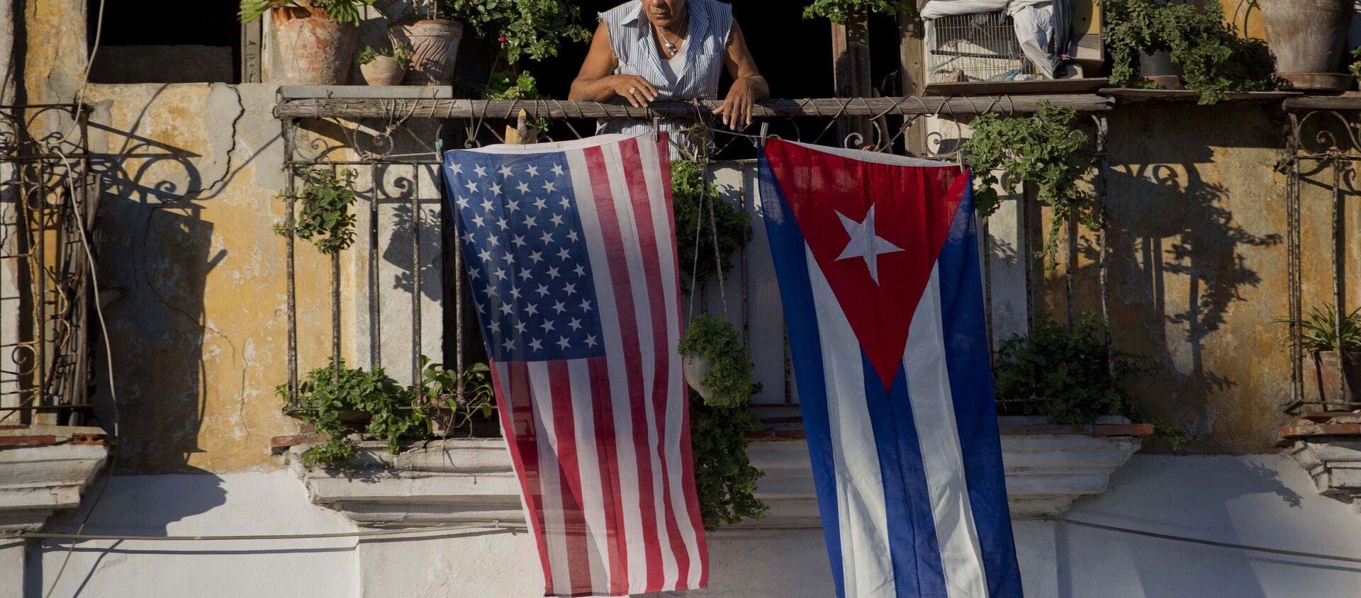 Las banderas de EEUU y Cuba (archivo) - Sputnik Mundo, 1920, 19.01.2021