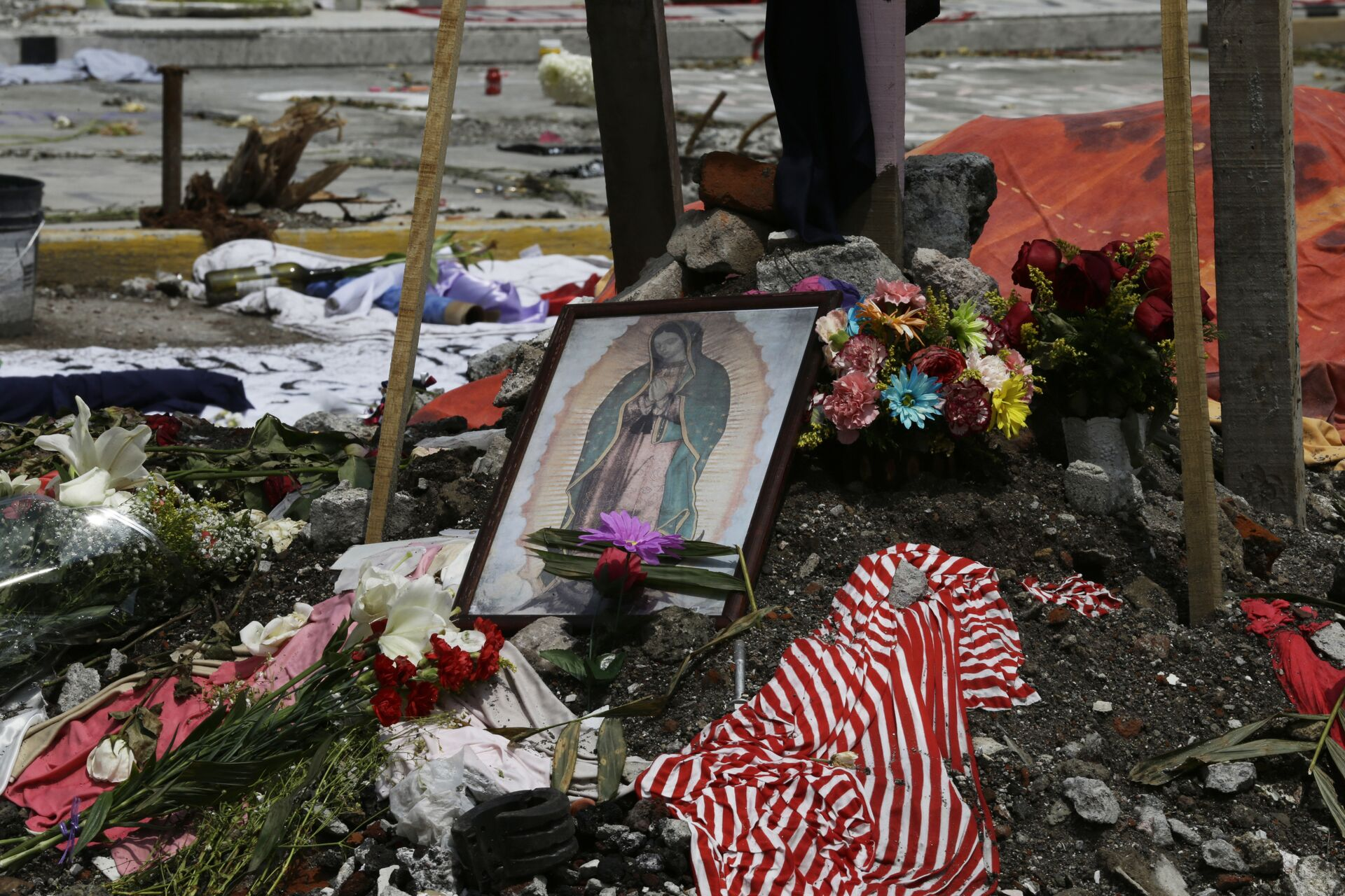 Homenaje a las víctimas del terremoto en México - Sputnik Mundo, 1920, 18.09.2021