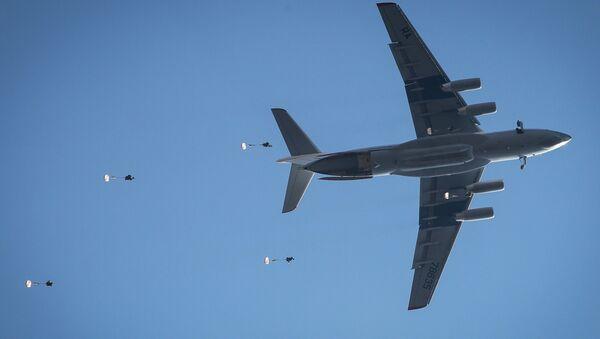 Un avión Il-76 - Sputnik Mundo