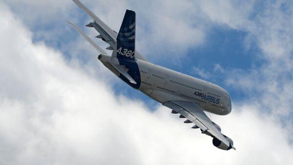 Un avión Airbus A380 - Sputnik Mundo