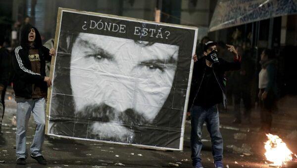 Protestas contra la desaparición del activista argentino Santiago Maldonado - Sputnik Mundo