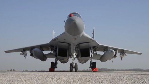 Los MiG-29 regalados por Rusia surcan los cielos serbios - Sputnik Mundo