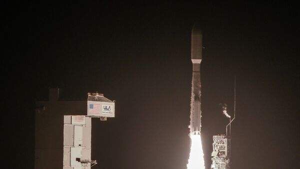 A National Reconnaissance Office payload on a United Launch Alliance Atlas V launches from Space Launch Complex-3 - Sputnik Mundo