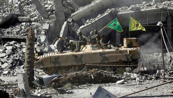 Fuerzas Democráticas Sirias en la ciudad de Al Raqa - Sputnik Mundo