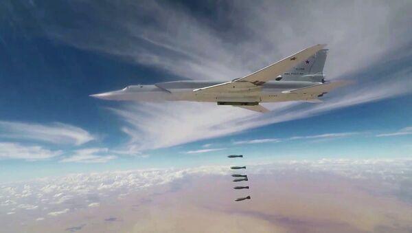 Bombardero estratégico ruso Tu-22 - Sputnik Mundo