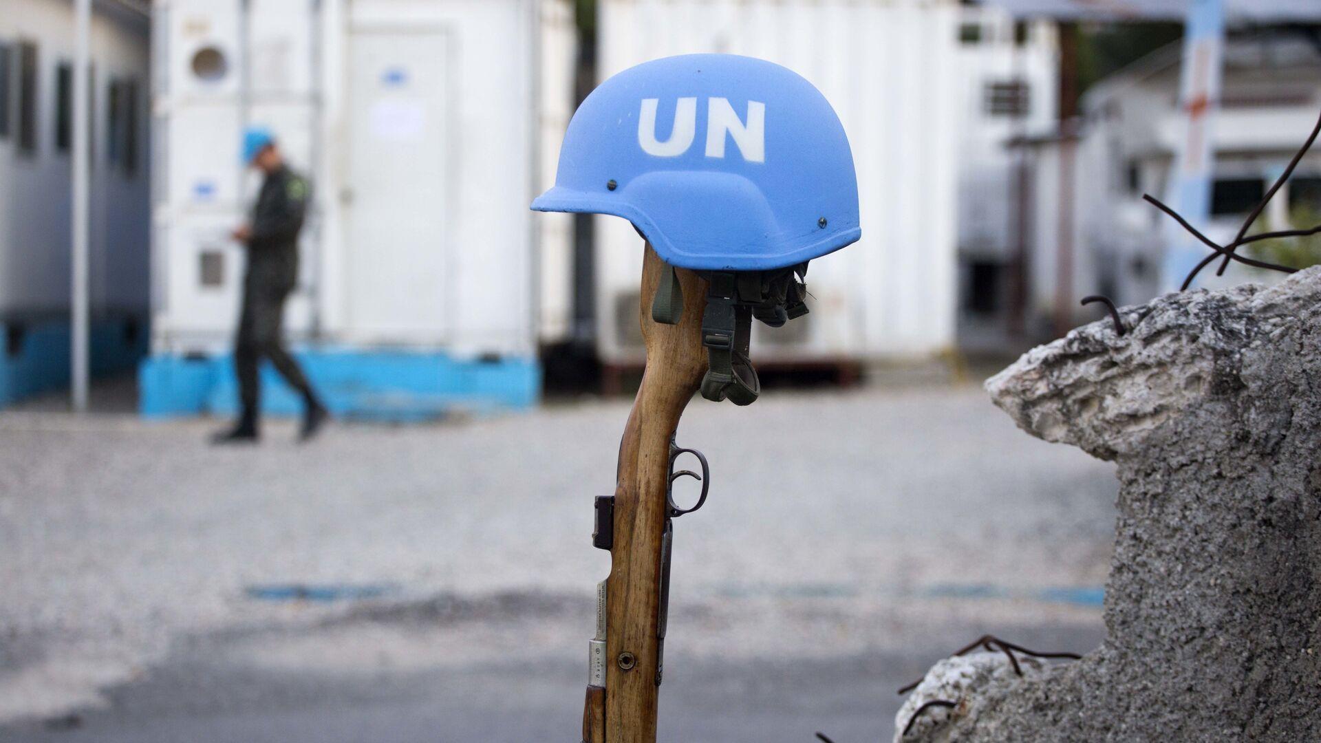 Un casco azul de una misión de paz de la ONU (archivo) - Sputnik Mundo, 1920, 26.08.2021